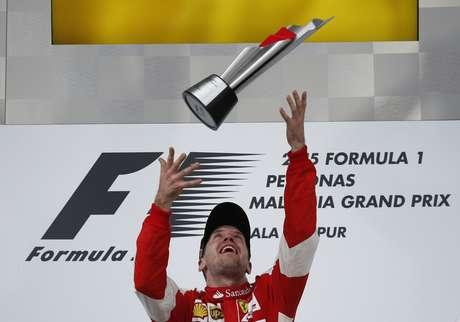Vettel faz festa por vitória na Malásia