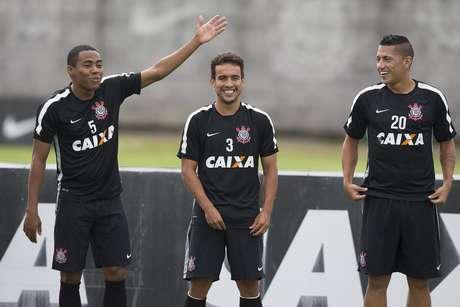 Jadson se reapresenta no Corinthians; Ralf nem aparece