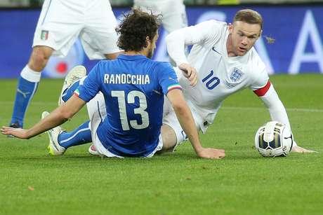 Rooney atuou pela Inglaterra contra a Itália