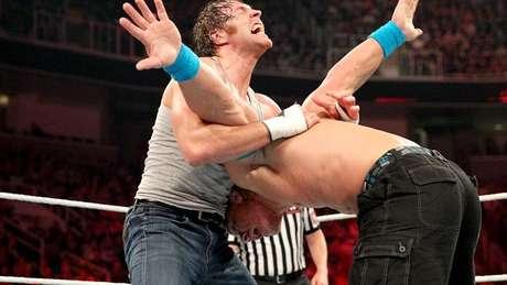 """<p>Dean Ambrose é o """"maluco"""" da WWE</p>"""