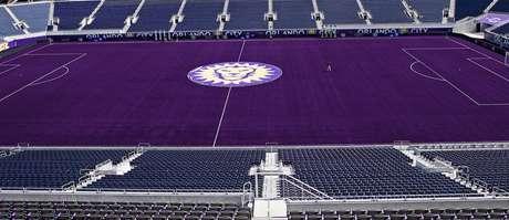 Site do Orlando City apresentou Circus Bowl com gramado roxo 6a24d778c0635