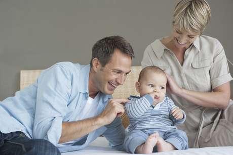 Especialistas dizem que meninas são mais fortes durante a gravidez, por isso o número de aborto de bebês do sexo masculino é maior durante períodos de estresse