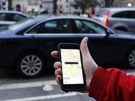 """<p>Aplicativo Uber permite o sistema de carona por motoristas """"comuns""""</p>"""