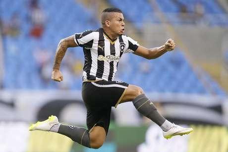 <p>Botafogo manterá mesma fornecedora de material esportivo por mais um ano</p>