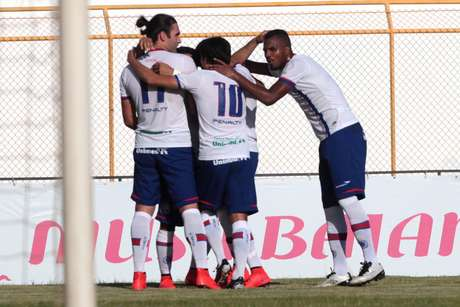 Bahia dá passo importante no Campeonato Baiano