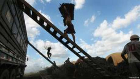 Carvoeiros no Pará, em junho de 2012 | Foto: Thinkstock