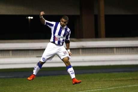 Bruno Veiga comemora gol marcado pelo Paysandu