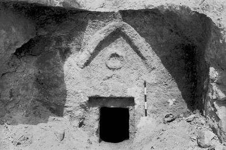 Foto mostra túmulo que alguns acreditam ser de Jesus e sua família, encontrada em Jerusalém na década de 1980