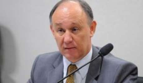 """""""O Brasil, no passado, não respeitou a sua Constituição e caminhou para trás"""", comparou o ministro"""