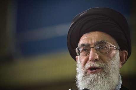Líder iraniano Aiatolá Ali Khamenei durante declaração em Teerã. 12/06/2009.