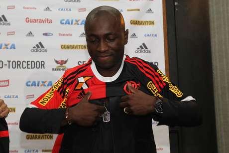 Pablo Armero chegou recentemente ao Flamengo e já foi convocado para a seleção colombiana