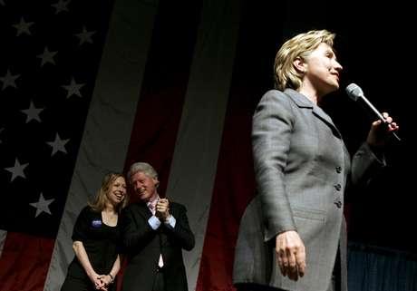 Campanha de Hillary para a eleição de novembro de 2016 deve enfatizar seus planos para lidar com a desigualdade econômica