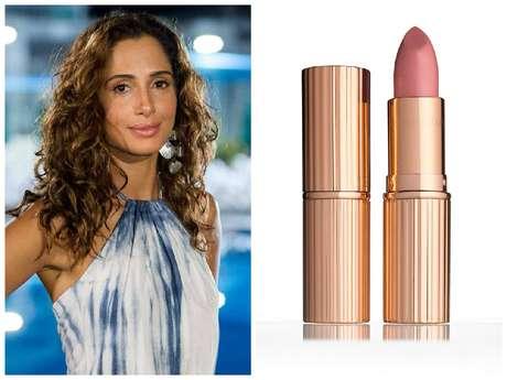 <p>Regina (Camila Pitanga), de <em>Babilônia</em>, aparece em quinto lugar no ranking. O tom nude em seus lábios é a cor Bitch Perfect, da marca britânica Charlotte Tilbury, que não é vendida no Brasil.</p>