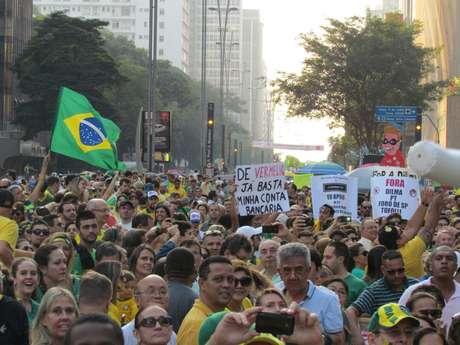 <p>Redes Sociais foram usadas por 60% dos manifestantes para se informar sobre o protesto</p>