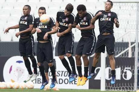 Corinthians deve pegar San Lorenzo com titulares