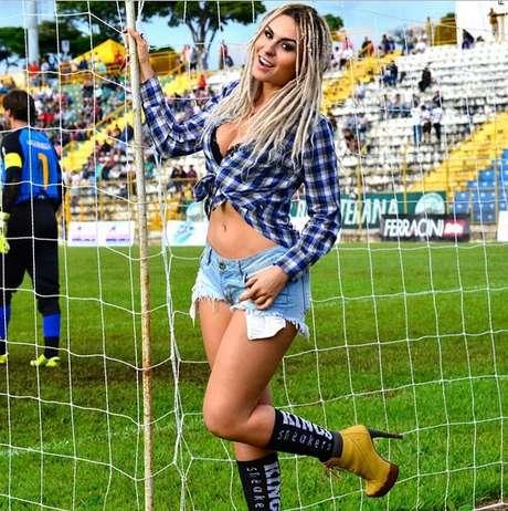 Fernanda Lacerda, mais conhecida como a Mendigata do Pânico na Band