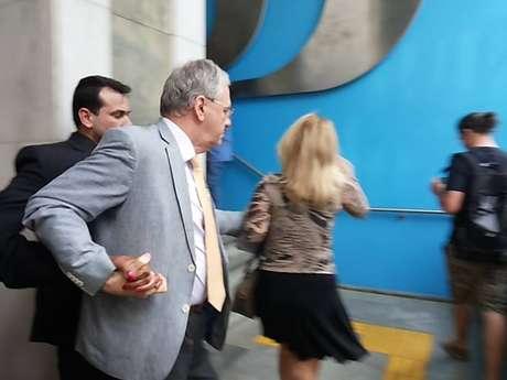 Segundo o Sintusp, o reitor da USP, Marco Antonio Zago, deixou a reunião do Conselho Universitário escoltado pela Guarda da instituição