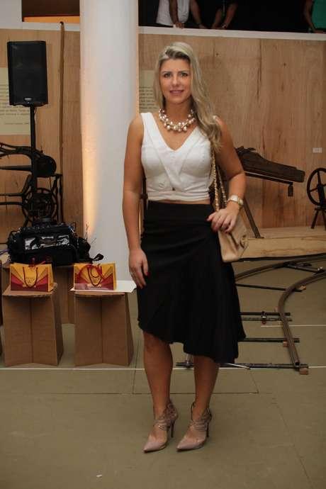 A apresentadora Iris Stefanelli chega ao Fashion Week para acompanhar o desfile de Lino Villaventura