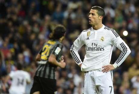 Cristiano Ronaldo ajudou Nepal fazendo campanha via Facebook