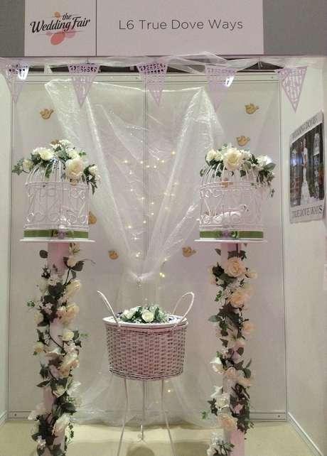 <p>Aluguel de pombas brancas a partir de R$ 700,00 o par é uma das atrações da Wedding Fair 2015 em Londres</p><p></p><p></p>