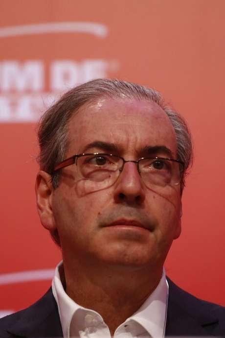 """O presidente da Câmara, Eduardo Cunha (PMDB-RJ), disse que pedidos de impeachment precisam ser vistos com """"cautela e muito cuidado"""""""
