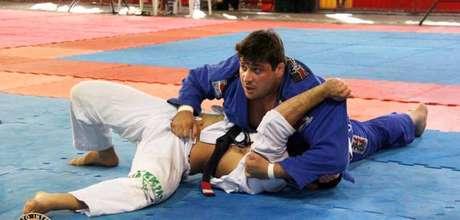 Lutador de jiu-jitsu, Rafael Martinelli Queiroz espancou um hóspede em um hotel sem motivo aparente