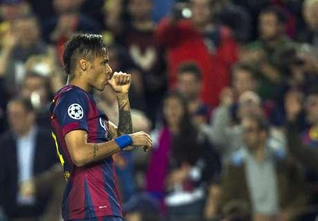 Neymar fez um gol no jogo em que foi ofendido