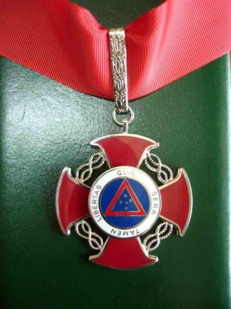 A medalha da Inconfidência é uma comenda oferecida pelo Governo de Minas Gerais durante as comemorações no dia de Tiradentes