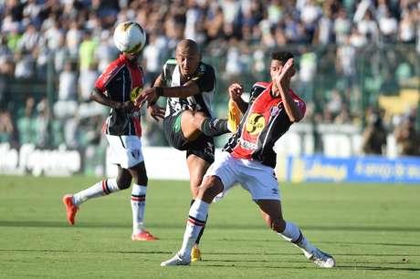 Figueirense não acertou o pé contra o Joinville