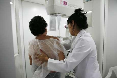 Um novo exame de sangue – que se revelou melhor do que a mamografia para a detecção de risco e possível prevenção do câncer de mama – anima os cientistas