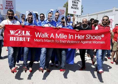"""""""Walk a Mile in Her Shoes"""": pela primeira vez evento ocorreu em um país do Oriente Médio"""