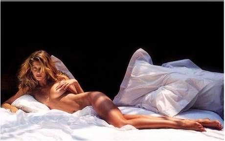 Em 2000, a top exibiu suas curvas para a revista W que a chamou de 'the body' ('o' corpo, em tradução)