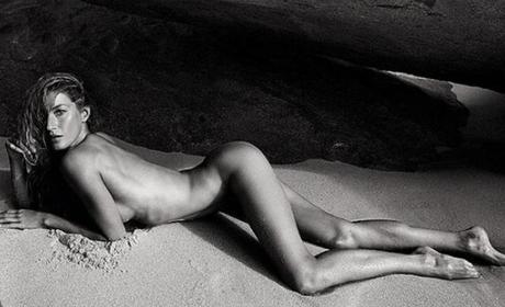 Em 2012, Gisele posou nua em praia para um ensaio da Vogue francesa