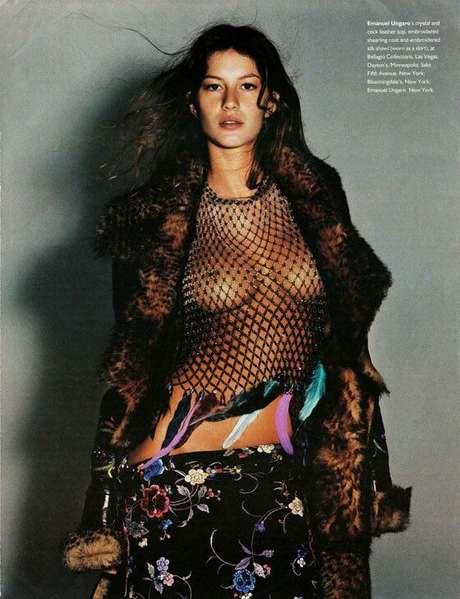 No início da carreira, em 1997. Gisele foi fotografada pelas lentes de Mario Testino