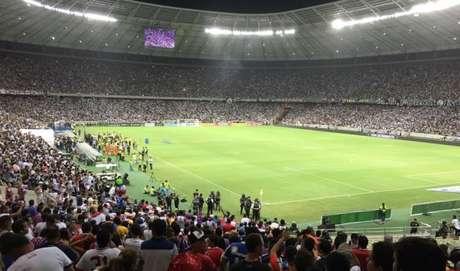 Recorde: 63.903 pessoas (lotação máxima do Castelão) compareceram ao maior estádio do Ceará nesta quarta