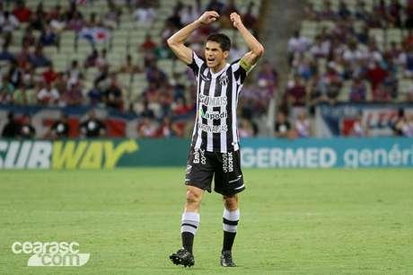 Veterano, Magno Alves vibra com vitória sobre o Fortaleza na primeira fase