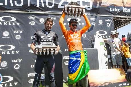 Filipe Toledo vibra com conquista do QS10.000