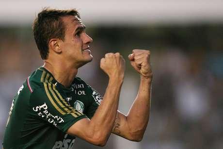 Lucas fez o gol do Palmeiras neste domingo e levou a decisão para os pênaltis