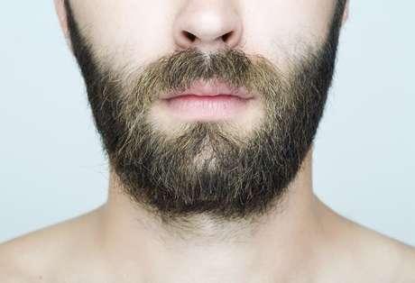 Especialistas divergem se as bactérias presentes na barba podem fazer mal para a saúde