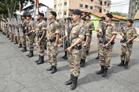 Realizar policiamento ostensivo fardado e atender e solucionar ocorrências são algumas das atribuições de um soldado