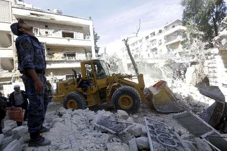 """Hoje, a cidade é escombros e dor. Ao menos 40% dela foram danificados ou destruídos em pouco mais de três anos de conflitos, desde que foi atingida pela chamada """"Batalha de Aleppo"""", em julho de 2012"""