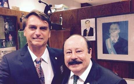 Jair Bolsonaro e Levy Fidelix podem aparecer em uma mesma chapa nas próximas eleições presidenciais