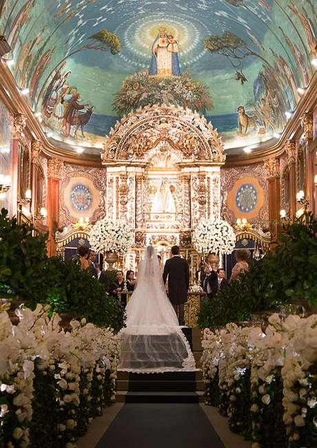 Detalhes da igreja no casamento de Bianca Grubisich e Jeferson Pereira