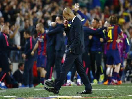 Pep Guardiola deve ter sentido saudade do Barcelona. Ex-treinador do time, hoje no Bayern, saiu de campo cabisbaixo