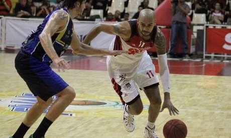 Marquinhos teve uma atuação de gala no 3º quarto e comandou a vitória flamenguista