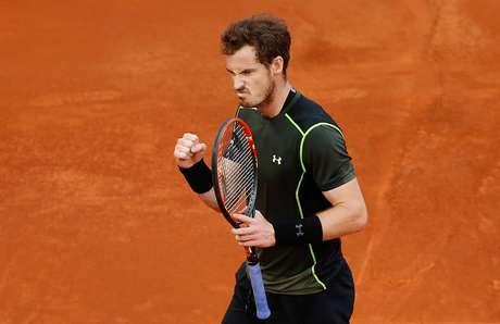 Mesmo no saibro, Murray não deu chance ao rival Nadal