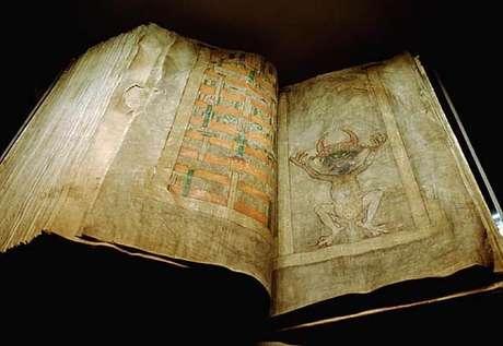 O Codex Giga, ou 'Bíblia do Diabo', é o maior manuscrito medieval do mundo