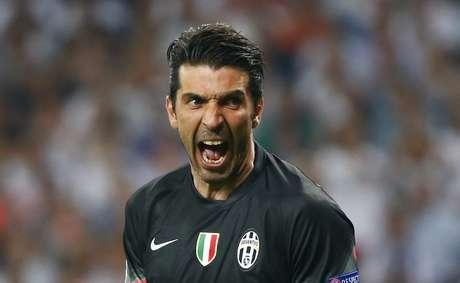 Buffon fez defesas importantes para manter a Juventus viva no segundo tempo
