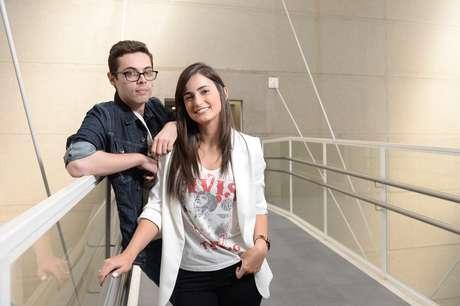 Cauê Fabiano e Mari Palma apresentam o boletim 'G1 em 1 Minuto'
