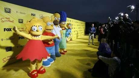 """Lisa, Bart, Homer, Marge e Maggie na comemoração de 20 anos da série """"Os Simpsons"""" em Santa Monica. 18/10/2009"""